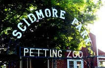 petting_zoo_sign